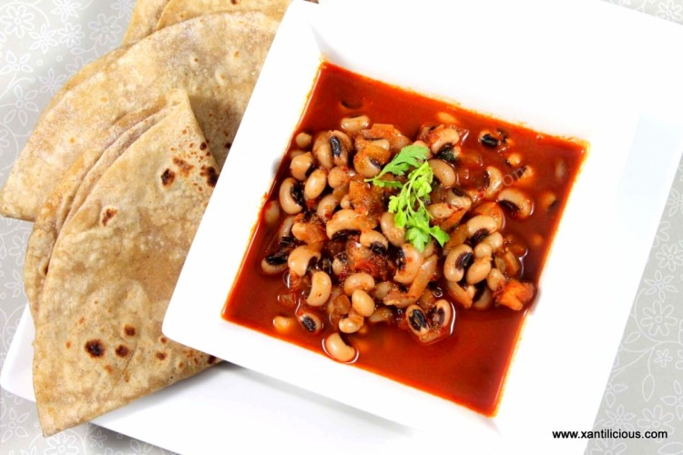 Alsande Tonak (Black Eyed Peas Goan Curry)