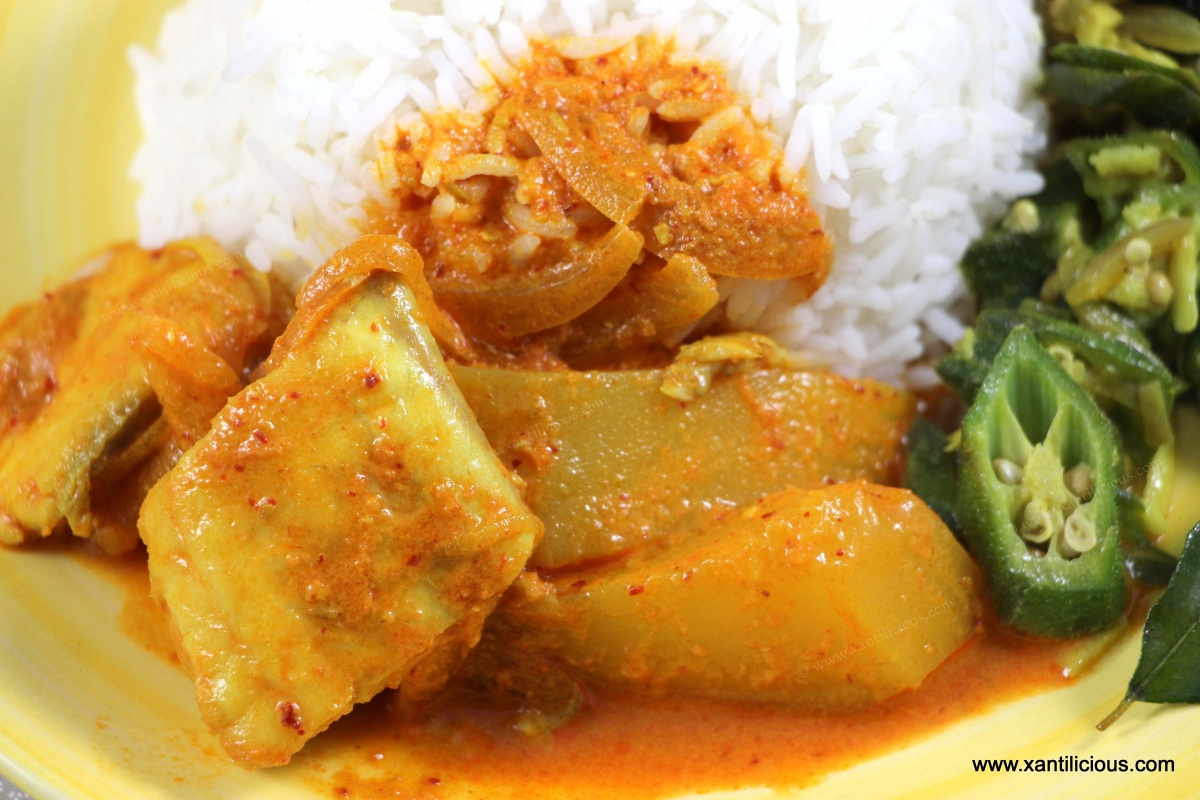 Goan fish curry with raw mango for Fish and rice diet