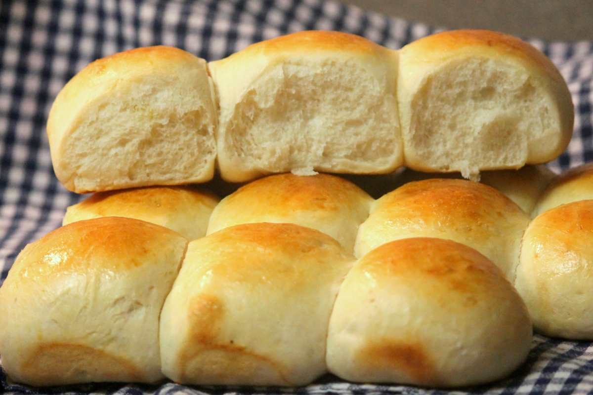 pão is portuguese word for bread and the goan bread maker is known ...