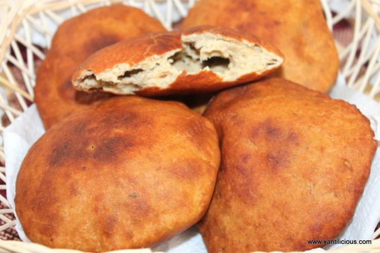Mangalore Buns (Mangalore Banana Poories)