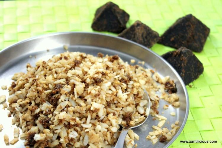 Godde Fov (Sweet Poha / Flat rice)