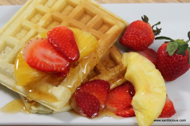 Waffles with Fruits & Honey
