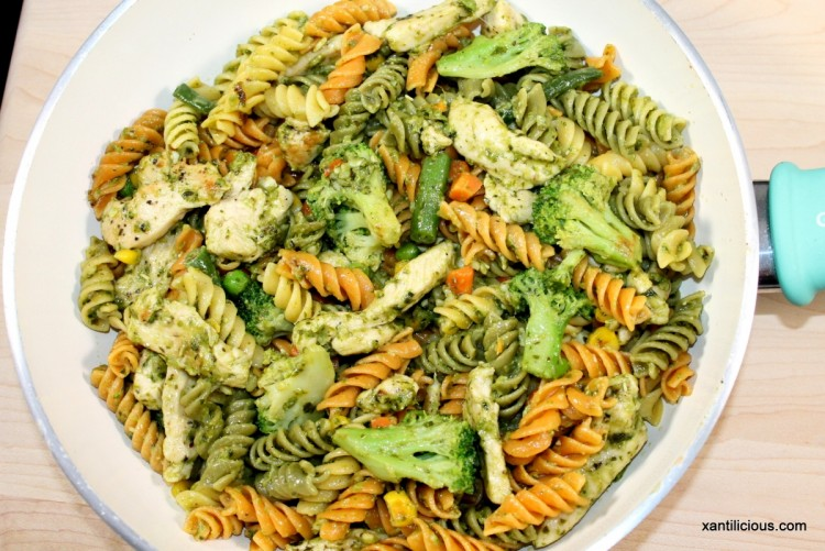 Chicken Pasta in Pesto Sauce